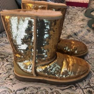 Size 8 Sequin UGG boots like NEW!